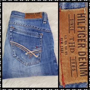 Tommy Hilfiger womans 28 stretch Straight jeans
